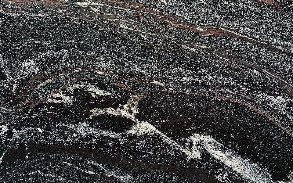 образец Амфиболит Гранатовый Айс