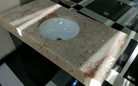 готовая столешница в ванную из мрамора