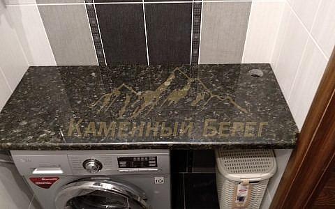 Столешница в ванной из гранита. 7000 руб. Самовывоз