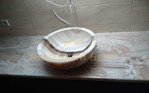 Столешница в ванную из мрамора Bottichino