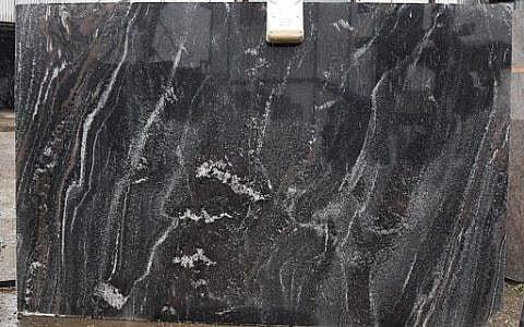 плита Амфиболит Гранатовый Айс