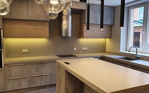 кухонная столешница из кварцевого агломерата Vicostone Concreto BQ8860